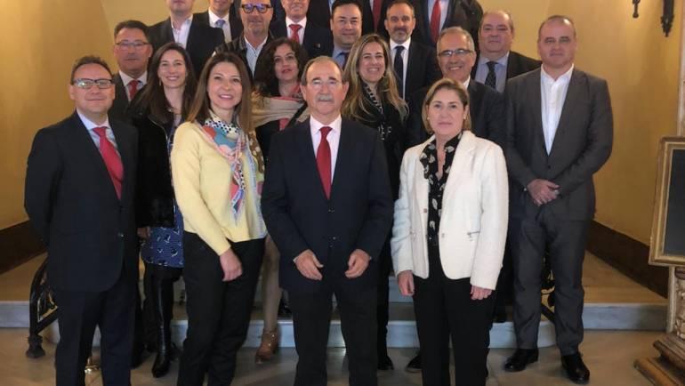 El Colegio Profesional de Mediadores de Seguros de Castellón, con las compañías de Seguros.